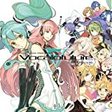 EXIT TUNES PRESENTS Vocalofuture feat. 初音ミク ジャケットイラストレーター:左(数量限定パスケース&ストラップ付き)