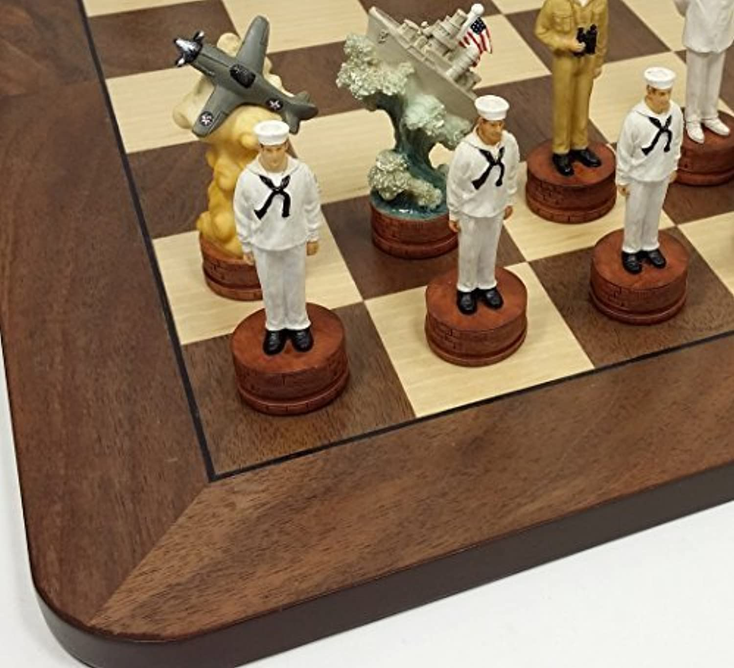 World War 2 US vs Japan Pearl Harbor Chess Set W/ 17 Walnut & Maple Veneer Board WW2 by HPL [並行輸入品]