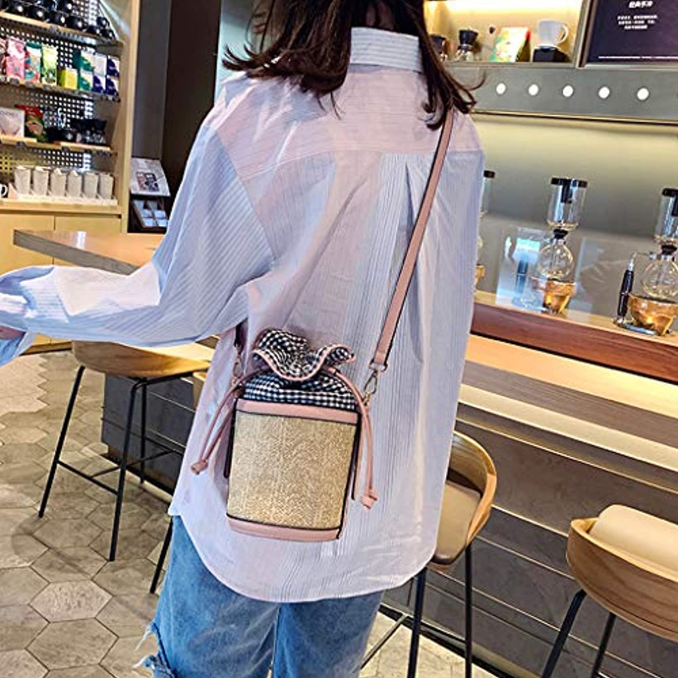 レコーダー病気の信頼性のあるファッション女性レトロ織り格子革バケットバッグクロスボディバッグショルダーバッグ、女性のヴィンテージ織格子縞ステッチバケットバッグ斜めバッグ (ピンク)