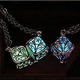 【3色から選べます】キューブ ネックレス 夜光 蓄光 暗闇で光るペンダント 【ギフトボックス付】コスプレ プレゼントにもどうぞ (エメラルドグリーン) (¥ 1,000)