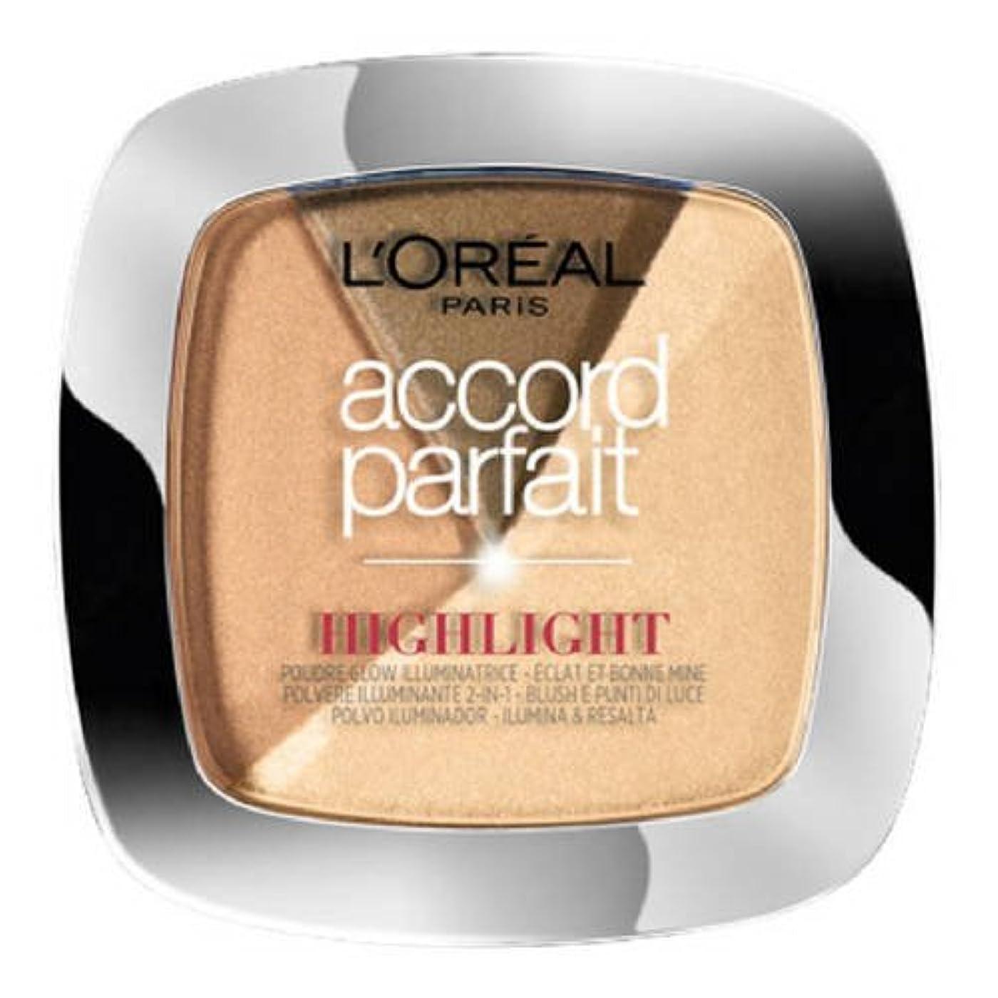 豪華なアブセイ取り組むL 'Oréal Paris - ACCORD PARFAIT Highlight Enlumineur Poudre - 102 Dore