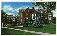 Poughkeepsie、ニューヨーク–外部ビューのJosselyn Hall , Vassar College 12 x 18 Art Print LANT-18505-12x18