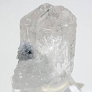 メキシコで産出されたダンビュライト(ダンブリ石)です。ガラスの表面のような光沢が大変美しく、お手元に置いておきたい逸品です。 ■ダンビュライト(danburite) 名前の由来は最初に発見されたアメリカのコネティカット州、ダンビュリー(Danbury)より来ている。 その美しい透明感や輝きからダイヤモンドの代用品として扱われる場合もある。またトパーズとも似ており鑑別が難しいとされている。