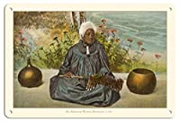 22cm x 30cmヴィンテージハワイアンティンサイン - オールドハワイアンの女性 (Kupuna) - ホノルル、オアフ島、ハワイ - ビンテージなハワイアンカラーのハガキ c.1909