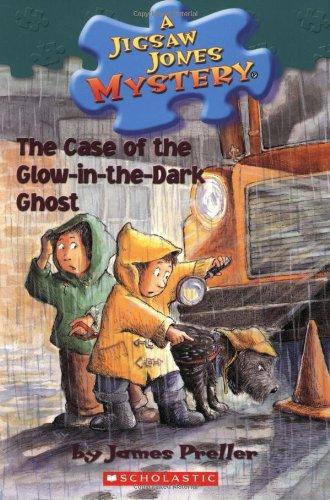 The Case of the Glow-in-the-dark Ghost (Jigsaw Jones Mystery)の詳細を見る
