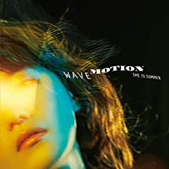 SHE IS SUMMER「(wave motion)」のジャケット画像