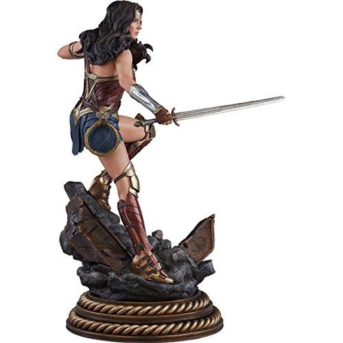 Sideshow DC Comics Wonder Woman Gal Gadot Premium Format Figure Statue