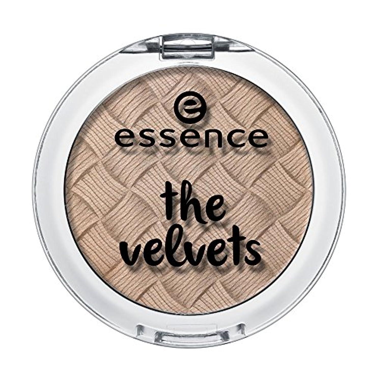 お手伝いさん強度看板ESS ベルベットアイシャドウ VES03 smooth caramel (2.8g)
