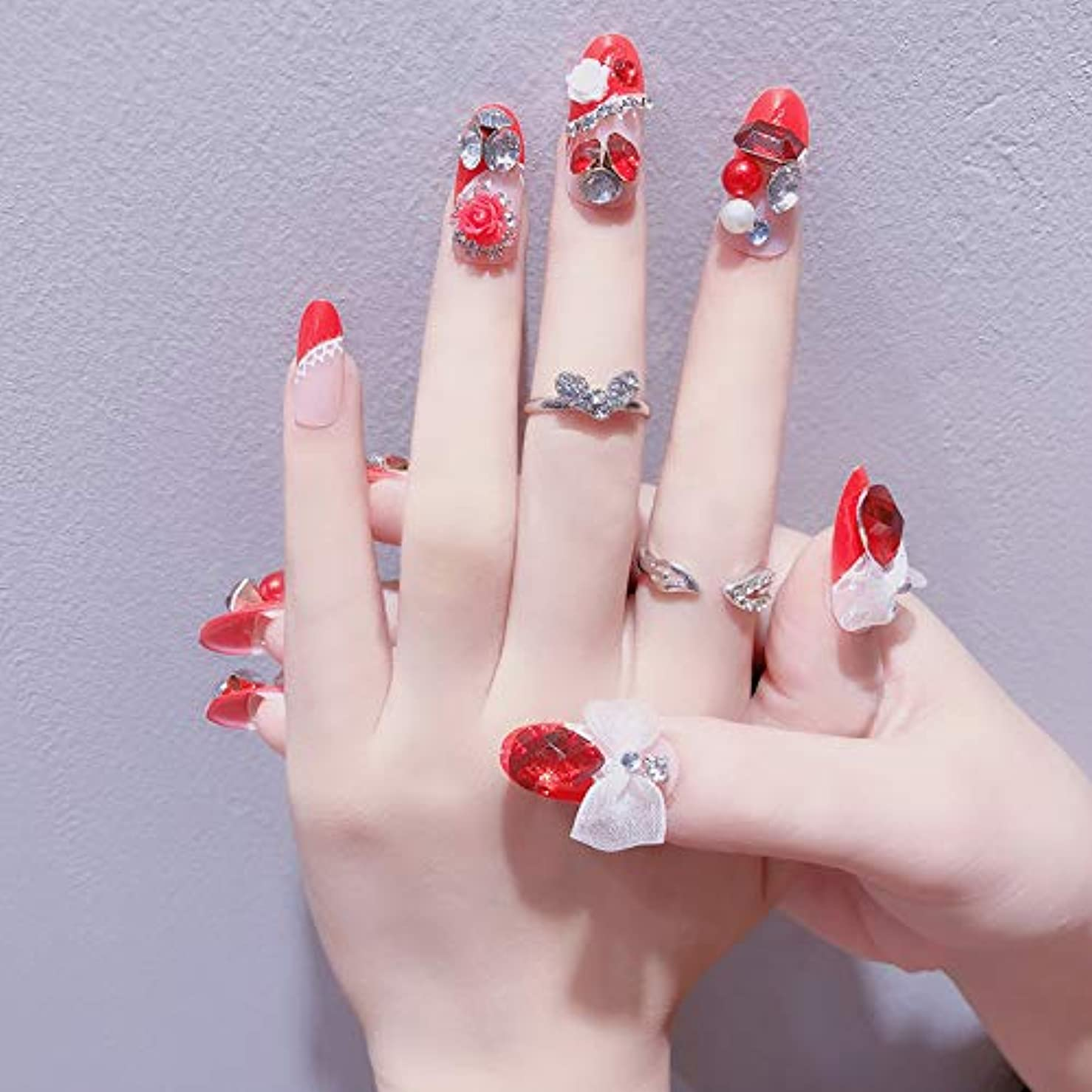 肉ストライド弱い豪华なつけ爪 眩しいつけ爪 ネイルチップ ブルー ラインストーンリボンが輝く 24枚組セット 結婚式、パーティー、二次会などに ネイルアート (AF08)