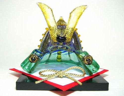 端午の節句のお祝いに マルティグラス謹製 玻璃の飾兜(21cm×21cm×22cm)