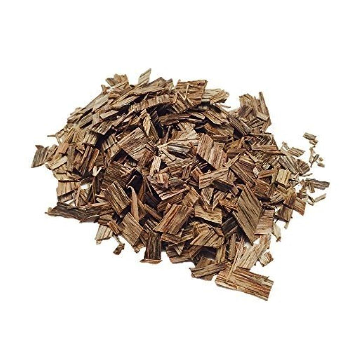 すなわちオズワルド胸元スミスV木製Agarwood OudチップAquilaria Bakhoor Incense 0.1 oz ブラウン Smith V.