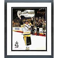 Jake Guentzel Pittsburgh Penguins 2017 Stanley Cup Trophyフォト(サイズ: 22.5
