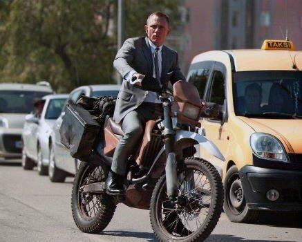 ブロマイド写真★『007 スカイフォール』ダニエル・クレイグ/バイクに乗るジェームズ・ボンド