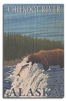 Bear Fishing in川–Chilkoot川、アラスカ 10 x 15 Wood Sign LANT-13742-10x15W