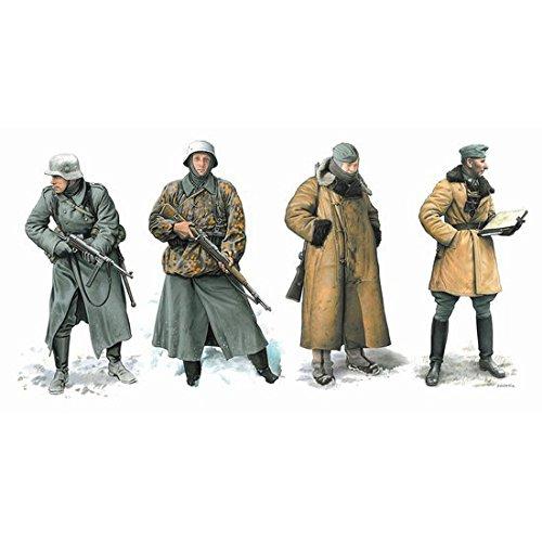 ドラゴン 6735 1/35 ドイツ軍 冬季装備兵士フィギュア タイフーン作戦 & 039 モスクワへの攻略戦& 039  1941
