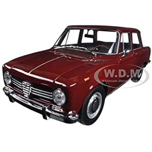 1966 Alfa Romeo Giulia 1300 Burgundy Limited Edition 504pcs 1/18 Diecast Mode Car by Minichamps サイズ : 1/18 [並行輸入品]