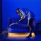 ベッド下ライトモーションセンサーLEDストリップライトMotion Activated照明柔軟な子の夜のライトベッドサイドランプイルミネーションで自動シャットオフタイマーの階段ベッドルームキャビネット暖かいホワイト