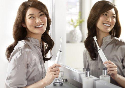 電動歯ブラシ買いたいのでオススメ教えてください><ぼくは、これを買いました。