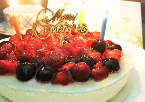 4種のベリーチーズケーキ (ローソク・プレート・手紙セット)...