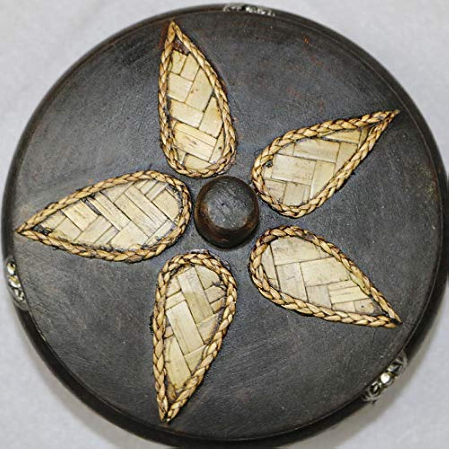 顕微鏡憎しみ重くするふたの家の装飾とタバコの創造的な灰皿のための灰皿