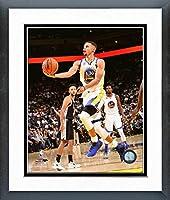 "Stephen Curry Golden State Warriors Nbaアクション写真(サイズ: 22.5"" X 26.5CM )フレーム"