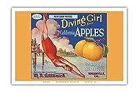 カリフォルニアのリンゴ - ニュータウンPippins - ダイビングガールズブランド - ビンテージなフルーツの木箱のラベル c.1920s - アートポスター - 31cm x 46cm