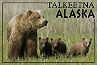 Talkeetna、アラスカ–Grizzly Bear andカブス 24 x 36 Giclee Print LANT-53644-24x36