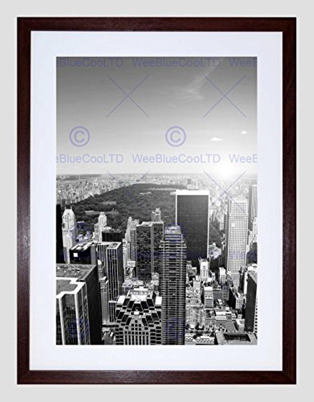 魅惑的な家族ボトルネックNew York City Black White Art Framed Wall Art Print ニューヨークシティ壁