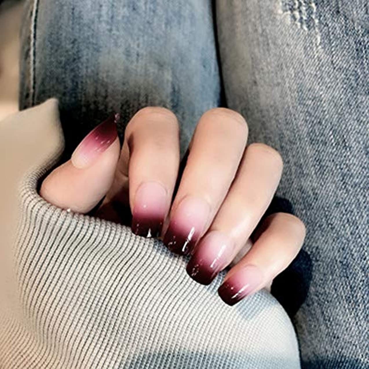 モザイク宣言する消すXUTXZKA 女性およびステッカーのための24のPCの赤い勾配色の長い偽の釘の方法偽造品の釘