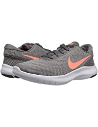 [NIKE(ナイキ)] レディーステニスシューズ?スニーカー?靴 Flex Experience RN 7 Gunsmoke/Crimson Pulse/Vast Grey/White 11.5 (28.5cm) B -...