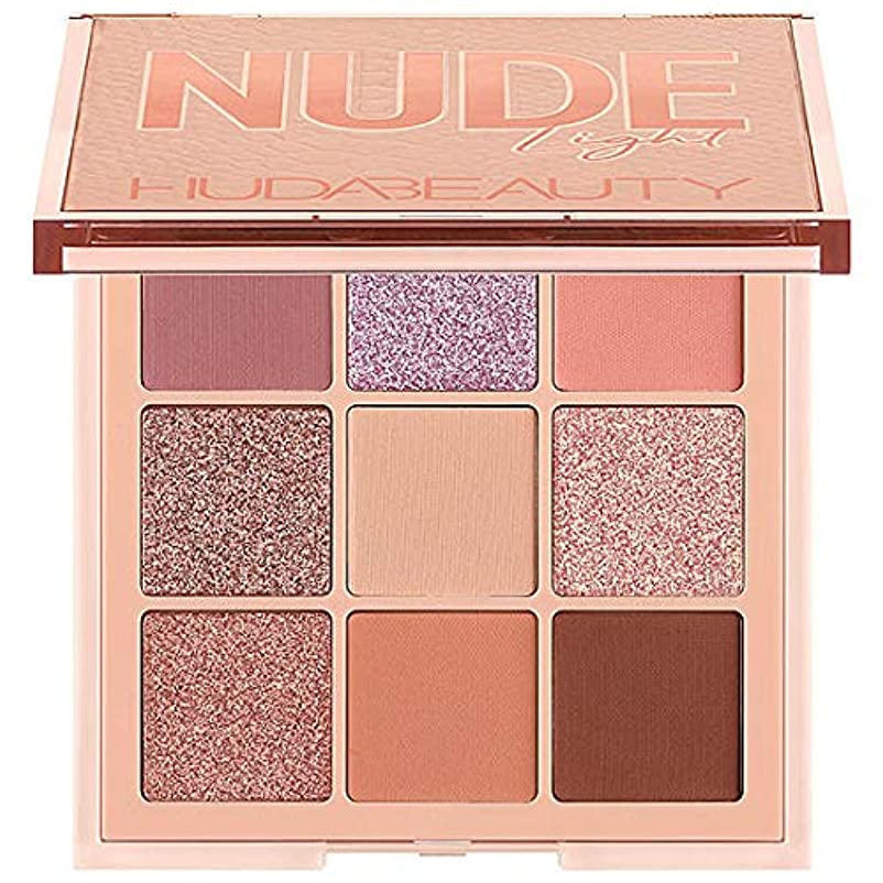 敬意を表して羊の衝撃HUDA BEAUTY Nude Obsessions Eyeshadow Palette Nude Light