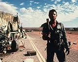ブロマイド写真★メル・ギブソン/『マッドマックス2』/ショットガンを持ち荒廃した路に立つ/【ノーブランド品】