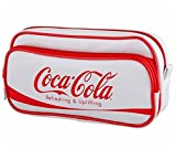 コカ・コーラ ダブル ポケット ペン ポーチ 合皮 プレート マスコット 付 / キャラクター ミニタオル との2点セット(1:ペンポーチ1個&ミニタオル1枚)