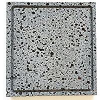 職人さん手加工の【溶岩プレート】Bタイプ 25×25×2センチ 油落しの溝付き。一枚ずつ丁寧に手加工しています。安心してお使い下さい。B