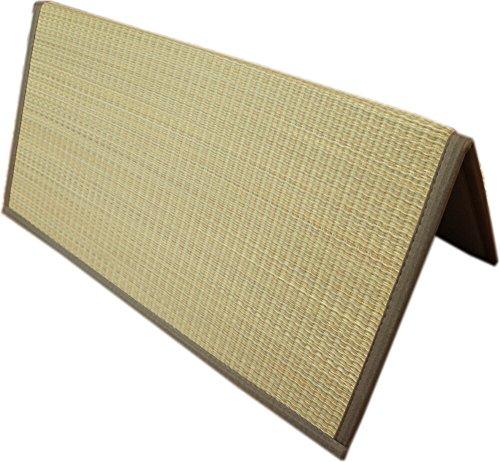 折りたためるユニット畳:半畳サイズ(80x80cm) ブラウン色 コンパクト収納で、持ち運びに便利! 【スベリ止め加工】
