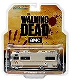 Amazon.co.jp[グリーン ライト]Greenlight 33070A Dale's 1973 Winnebago Chieftain The Walking Dead RV 1:64 Scale Diecast Model 33070-A [並行輸入品]