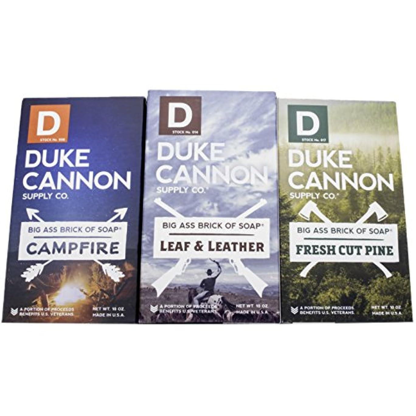 標高施し姿勢Duke Cannon「Great American Frontier」メンズ ソープセット 大きなレンガ フレッシュカットパイン、リーフ&レザー、キャンプファイヤー