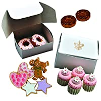 American Bakeryコレクションベイク苺とチョコレートのセットSprinkle Doughnuts、クッキー& Mini Frosted Cupcakes with Authenticベーカリーボックス、Fits 18 Inch American Girl人形アクセサリー