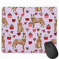 オーストラリアの牛犬赤ヒーラーバレンタインカップケーキハート犬種紫色のマウスパッド 25 x 30 cm