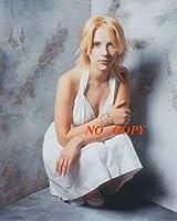 sp:大きな写真、スカーレット・ヨハンソン、しゃがむ白ドレス Scarlett Johansson