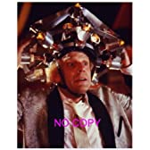 大きな写真「バック・トゥ・ザ・フューチャー」装置だらけの帽子