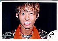 V6・【公式写真】・三宅健・JCロゴ・ジャニーズ 公式生写真【スリーブ付 】me 25