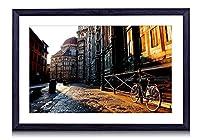 フィレンツェ、トスカーナ、イタリアの都市の通り、家、自転車、日の出 - 木製の黒額縁装飾画壁画 写真ポスター 壁の芸術 (40cmx30cm)