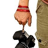 カメラ グリップ Beddingleer 高級合皮 レザー カメラハンドストラップ リストストラップ 一眼レフ / ミラーレス一眼 / マイクロ単 / コンパクト (レッド)