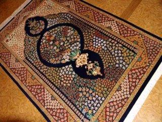 シルクのフラワーデザイン手織りペルシャラグ56102