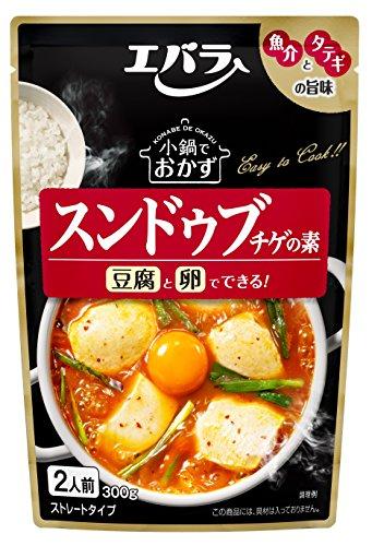 Amazon.co.jp通販サイト(アマゾンで買える「エバラ 小鍋でおかず スンドゥブチゲの素 300g×3個」の画像です。価格は745円になります。