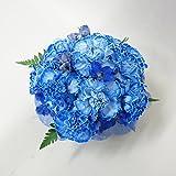 青のカーネーションお供えアレンジメント(サイズ 奥行:約19cm×幅:約19cm×高さ:約19cm)
