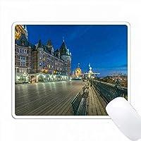 カナダ、ケベック州、ケベック市、夜明けのダフリンテラス。 PC Mouse Pad パソコン マウスパッド