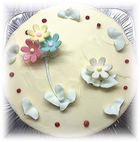 ロリアン洋菓子店 シンプルタイプ 昔懐かしのレトロな味わいバタークリームケーキ 5号サイズ直径15センチ 1台