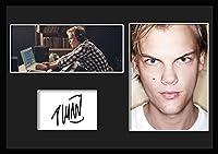 10種類! DJ アヴィーチー/DJ Avicii/ティム・バーグリング/Tim Bergling/サインプリント&証明書付きフレーム/CLR/カラー/ディスプレイ/3W (08) [並行輸入品]
